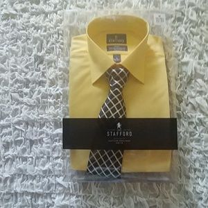 Long sleeve yellow dress shirt with tie sz M
